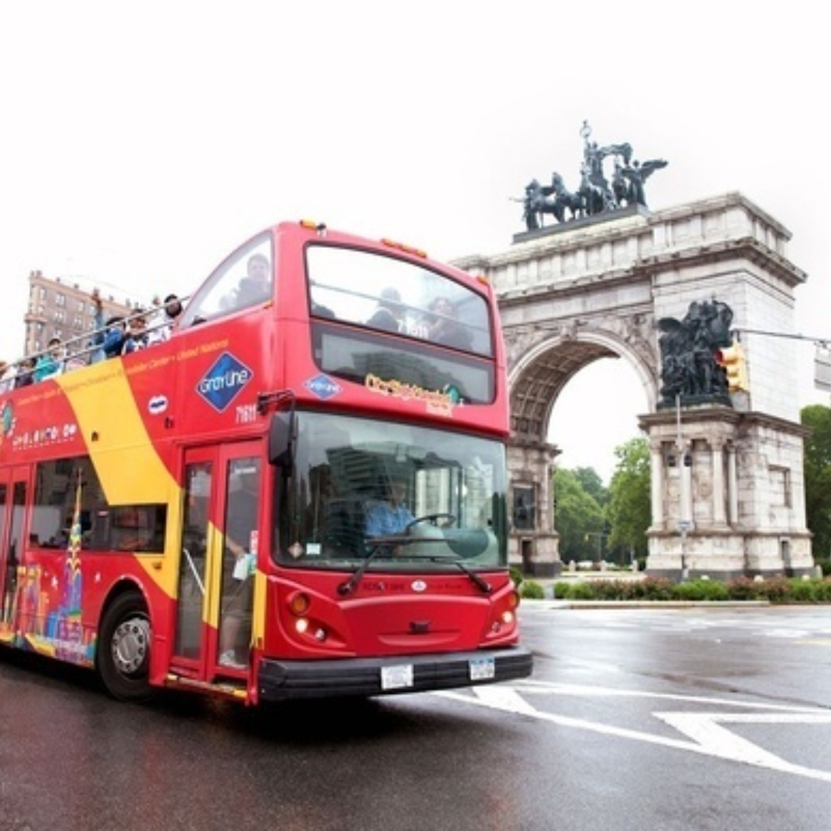 Hop-On Hop-Off Uptown + Downtown New York 1 day: 2 routes + 1 attraction Images