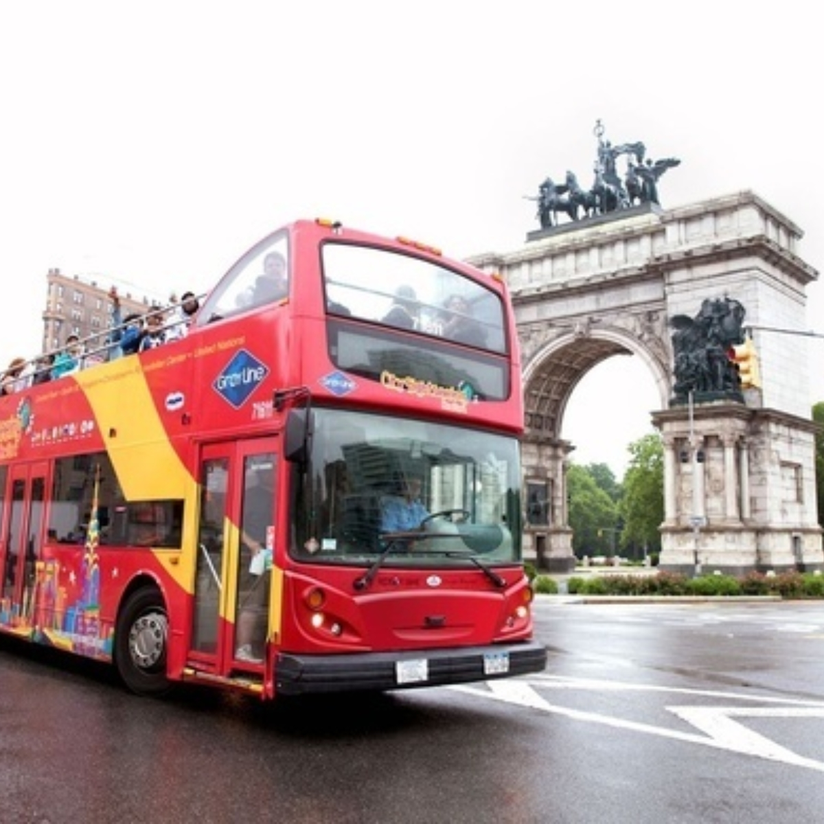 Hop-On Hop-Off Uptown + Downtown New York 1 day: 2 routes Images