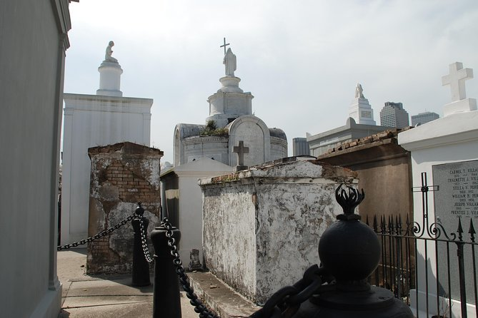 New Orleans Cemetery and Voodoo Walking Tour Preview Image