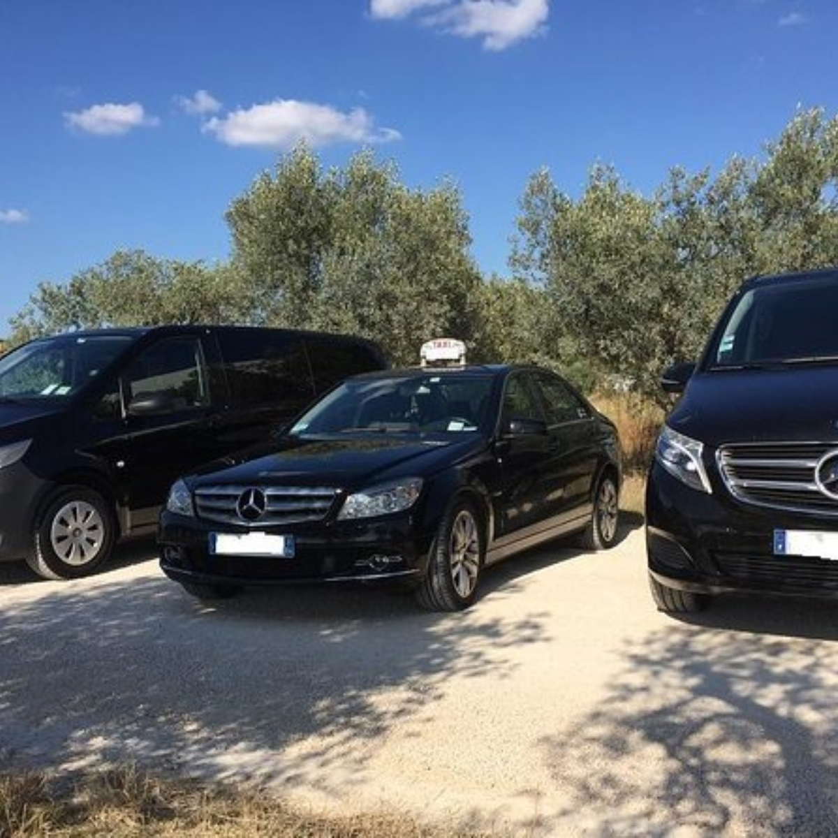 Transfer from Les Baux de Provence to Nice Airport Images